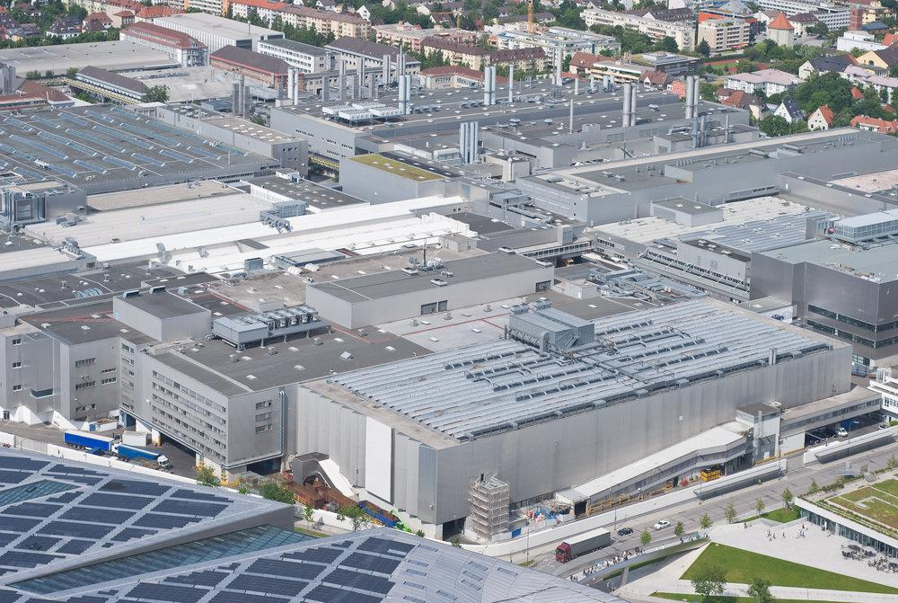 Un incendio calcina la mayor fábrica de Campofrío en España